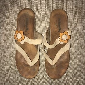 BOS & Co Bionatura Sandal Size 40